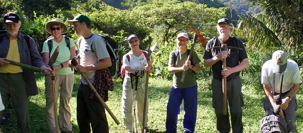 Members of the Beaver Valley Bruce Trail Club assist in building sections of the Sendero Pacifico near Monteverde. Photo M Yaraskavitch 2016.